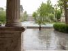 Pałac Golestan w deszczu.