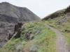 Iran, Alamut, ścieżka do ruin zamku Lamiasar.