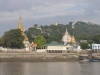 Brzegi Irrawaddy wokół Mandalay.
