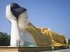 Duży Budda w wersji leżącej.