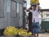 Nabrzeże w Barisal. Sprzedawca bananów.